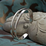 'Riven' Solid Sterling Silver Bangle
