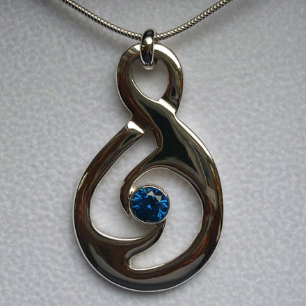 Sterling Silver Maori Friendship Twist Pendant